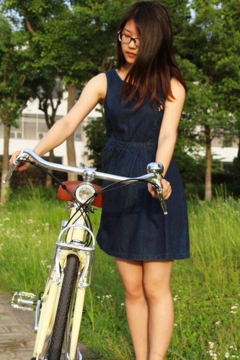 Vela Bike + Girl