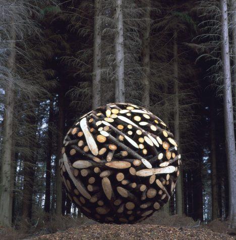 Sculptural-Wooden-Sphere-by-Lee-Jae-Hyo