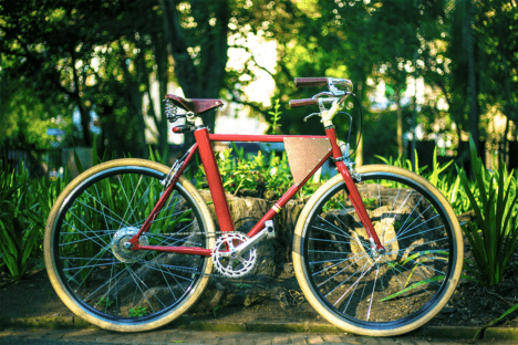 Vela Bike Red 2