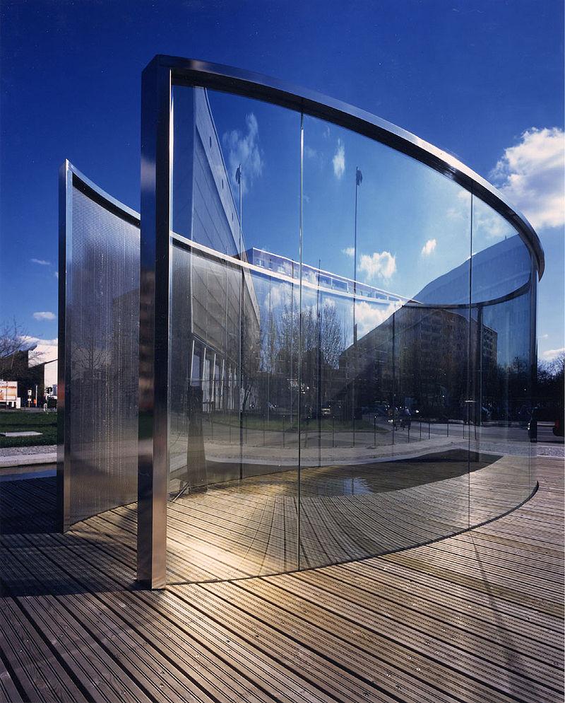 Dan Graham Berlin Mitte glass pavilion