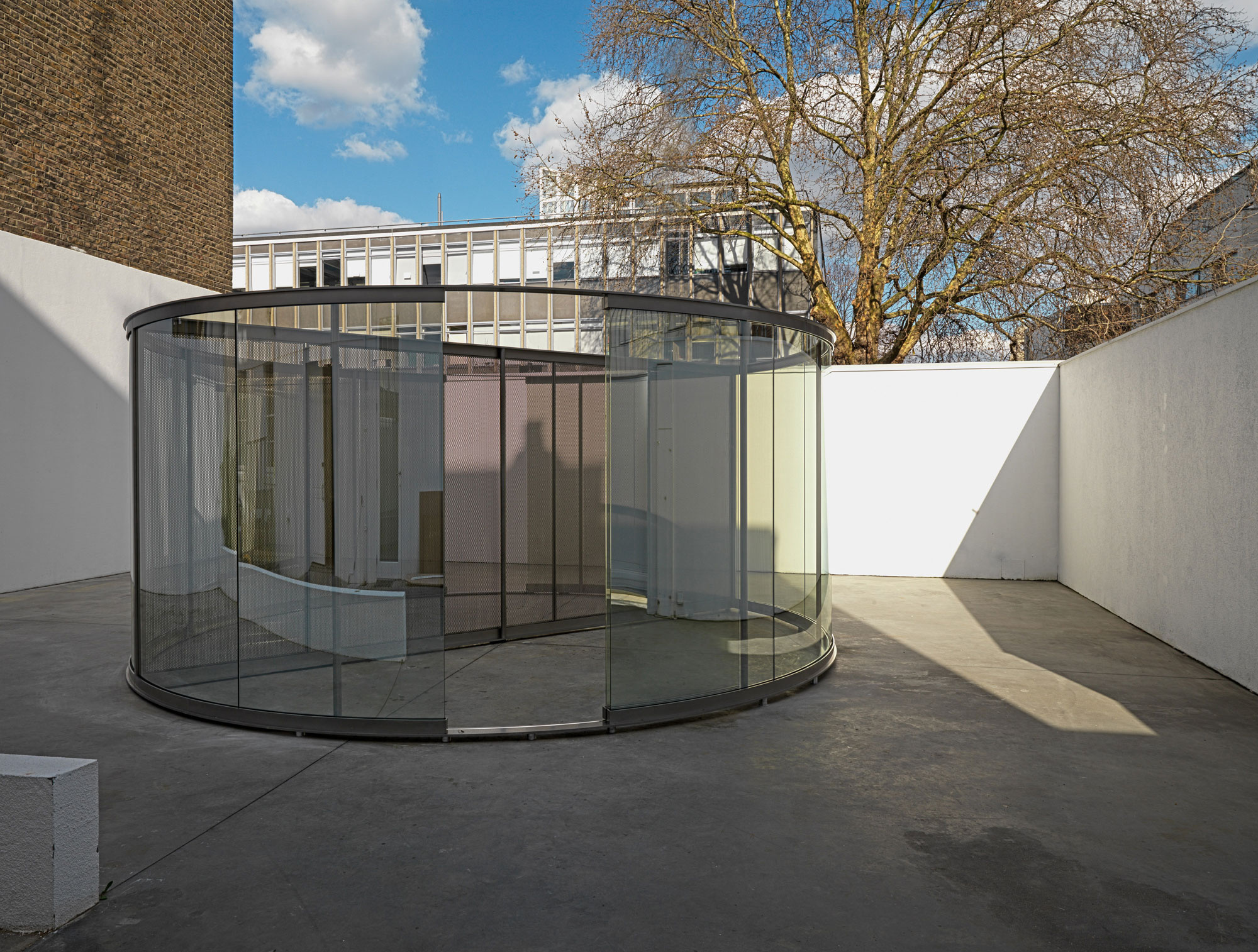 The mind bending glass pavilions of dan graham for Two way mirror