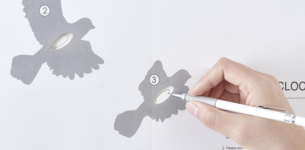 Hoashi Design bird clock installation