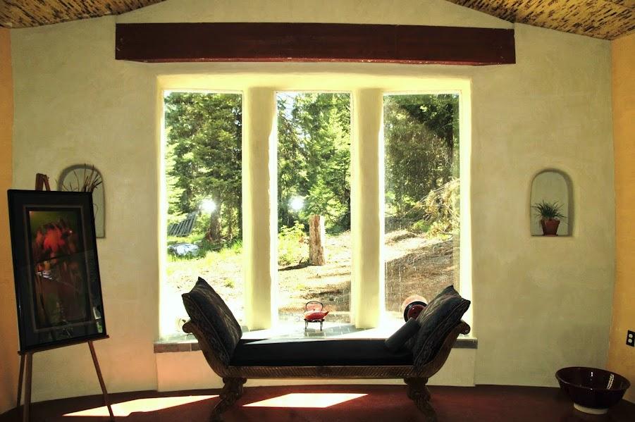 Interior of Steve Padgitt Residence, a Straw Bale House