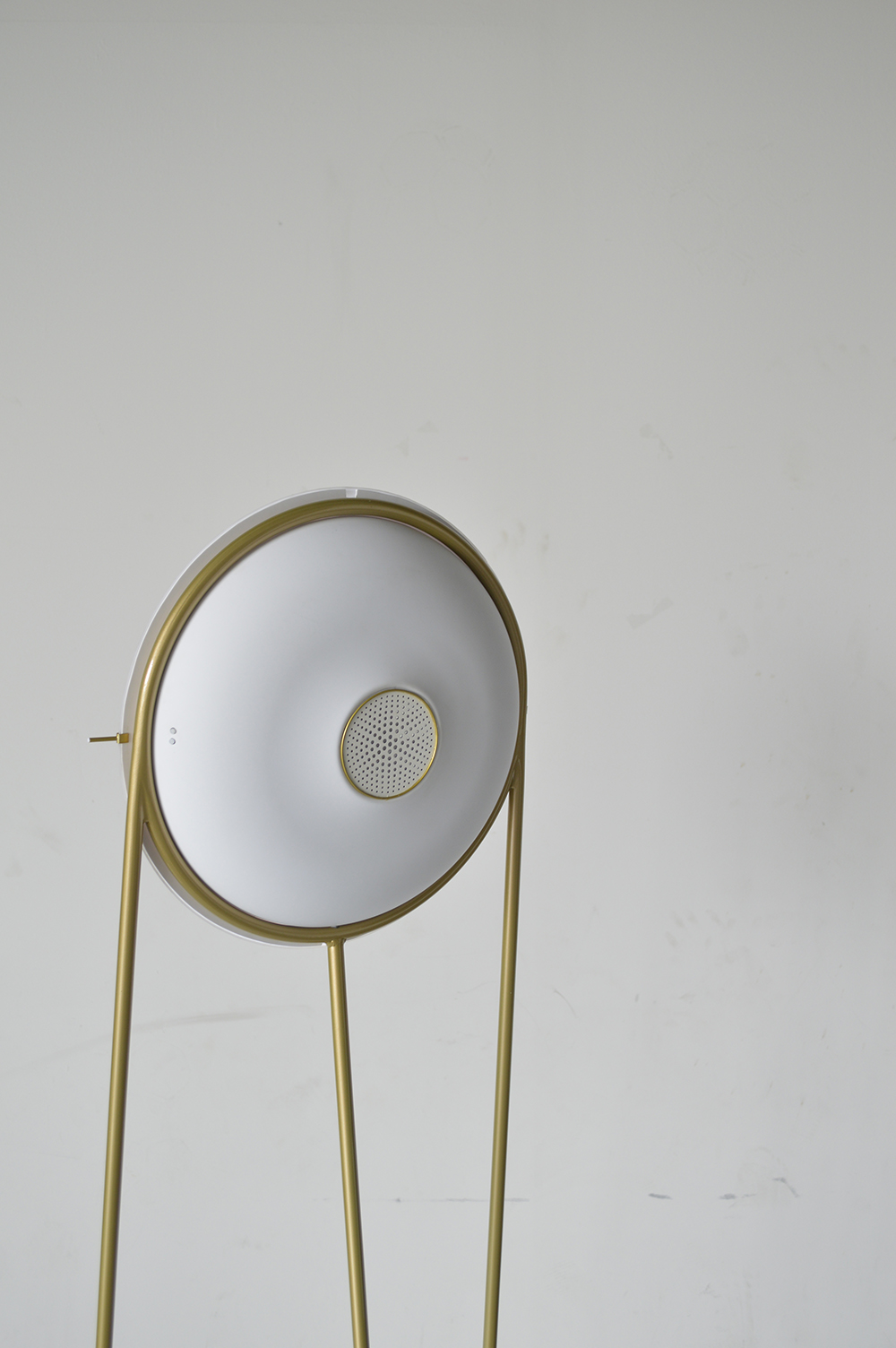Fabian Zeijler Purificatum: air purifier and lamp