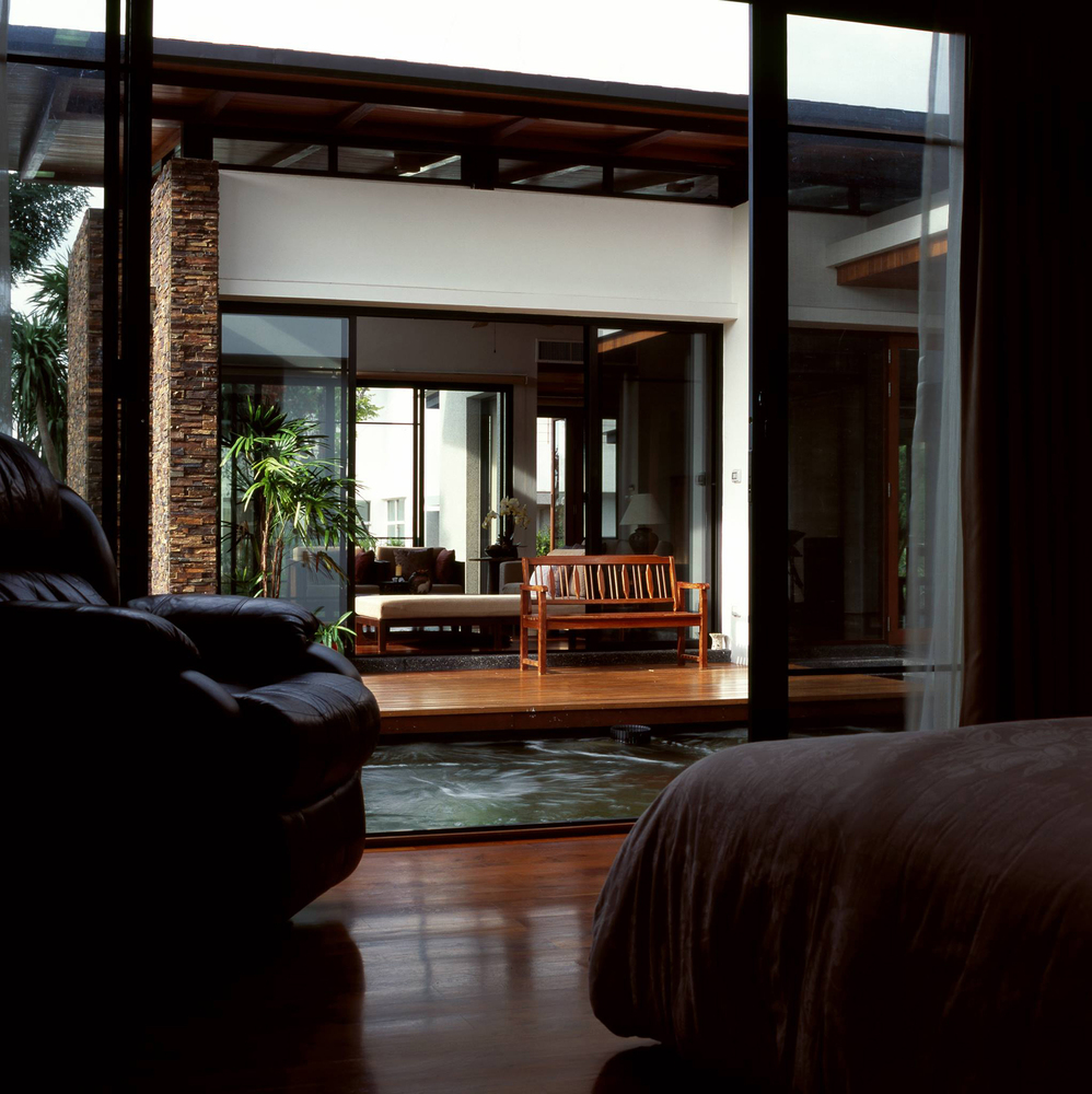 Feng Shui House Feels Like It S Floating Designs Amp Ideas
