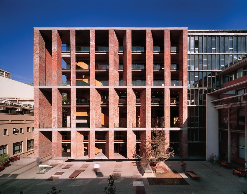Medical School in Santiago, Chile, Alejandro Aravena