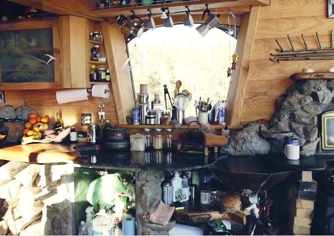 inside-mike-basich-tiny-house-cabin