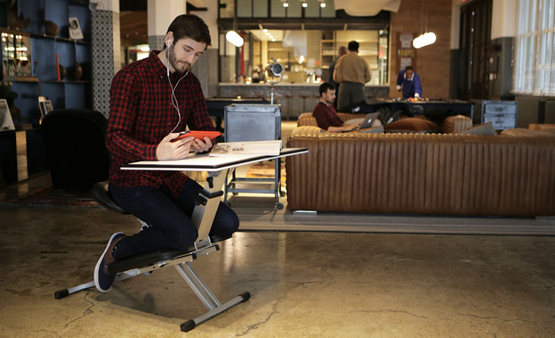 Pop Up Desk Provides Seating Amp Work Surface Anywhere You