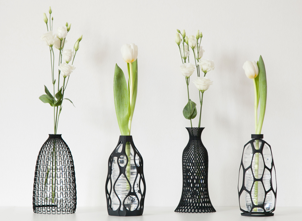 Do It Yourself: Vases with Plastic Bottles