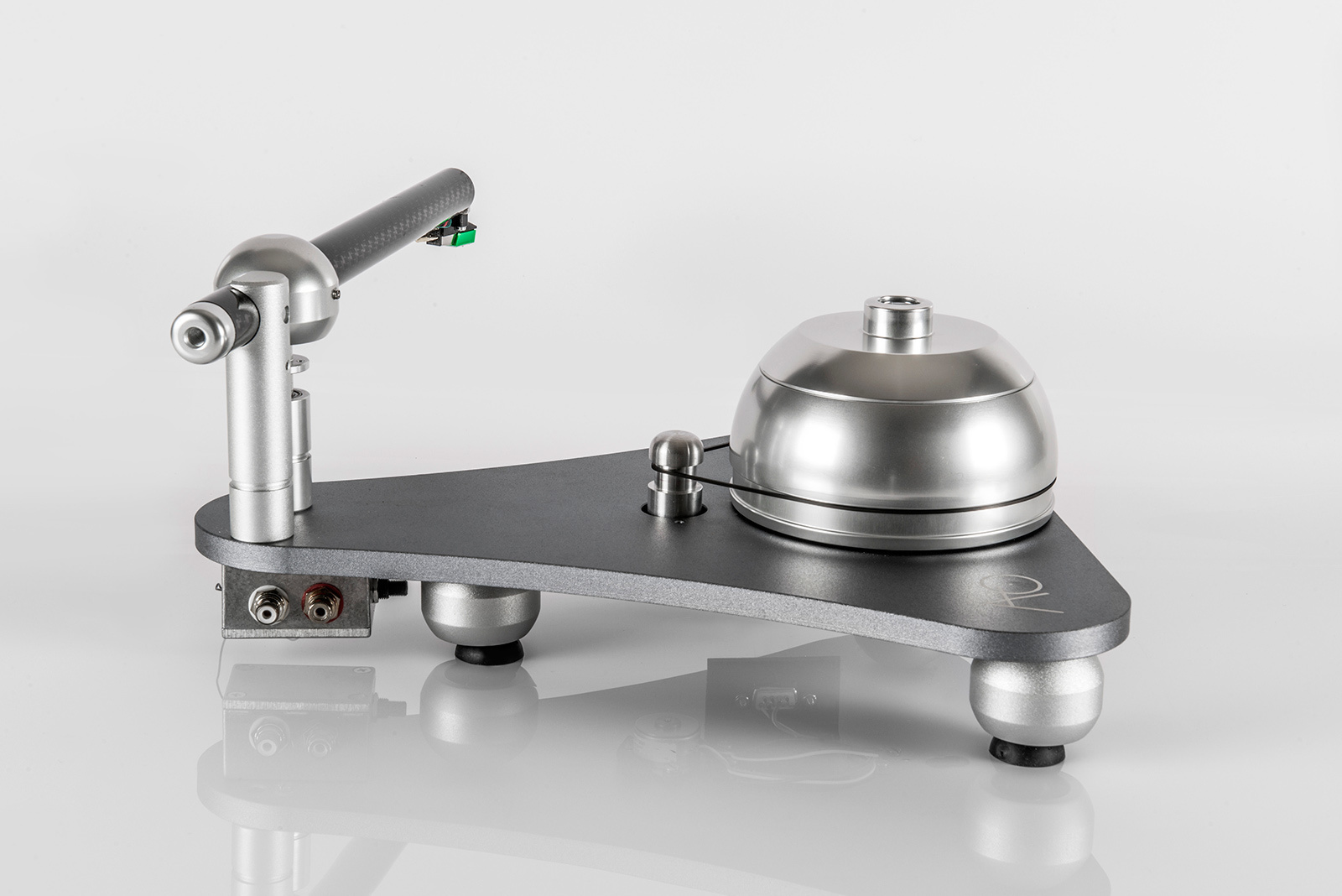 Feast for eyes and ears: Atmo Sfera Turntable