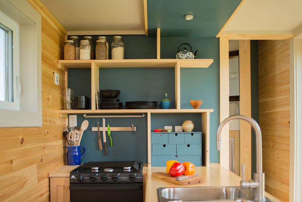 Full Moon Tiny Shelters: kitchen