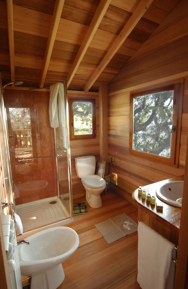 lavender treehouse bathroom
