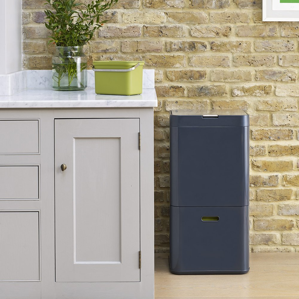 Totem System Makes Kitchen Trash Collection a Snap