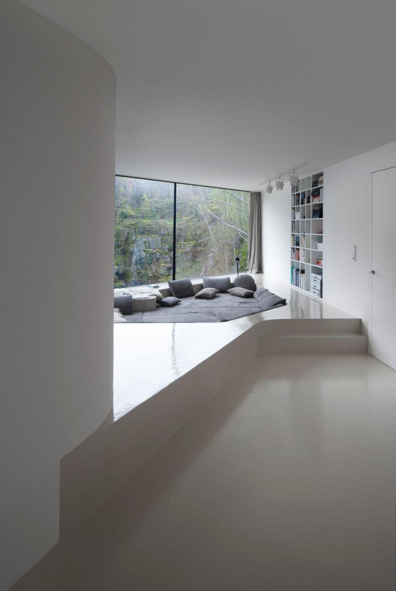 lounge pit 4