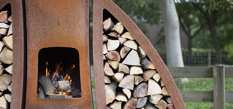 Tendu fireplace and log storer by Sebios