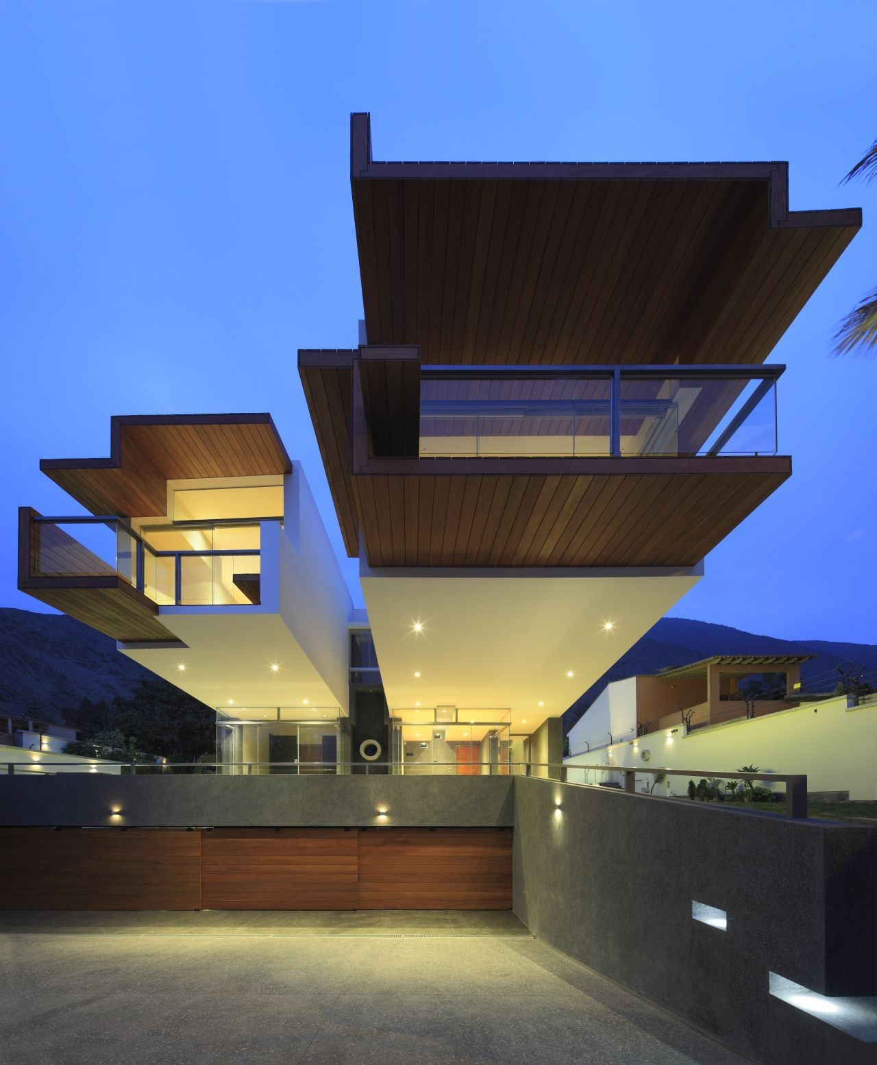 Ancestral Contemporary Architecture: A House To Live In Forever