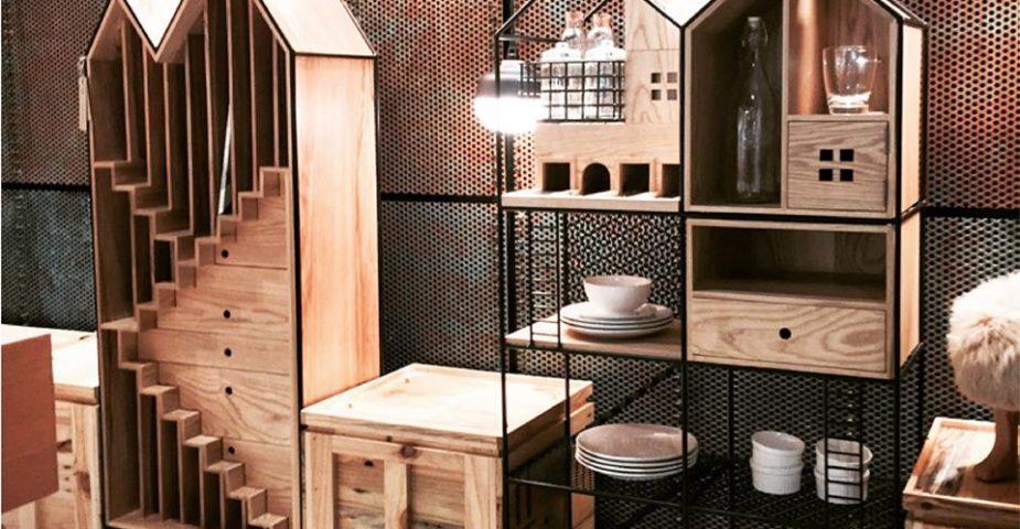 baan dollhouse cabinet