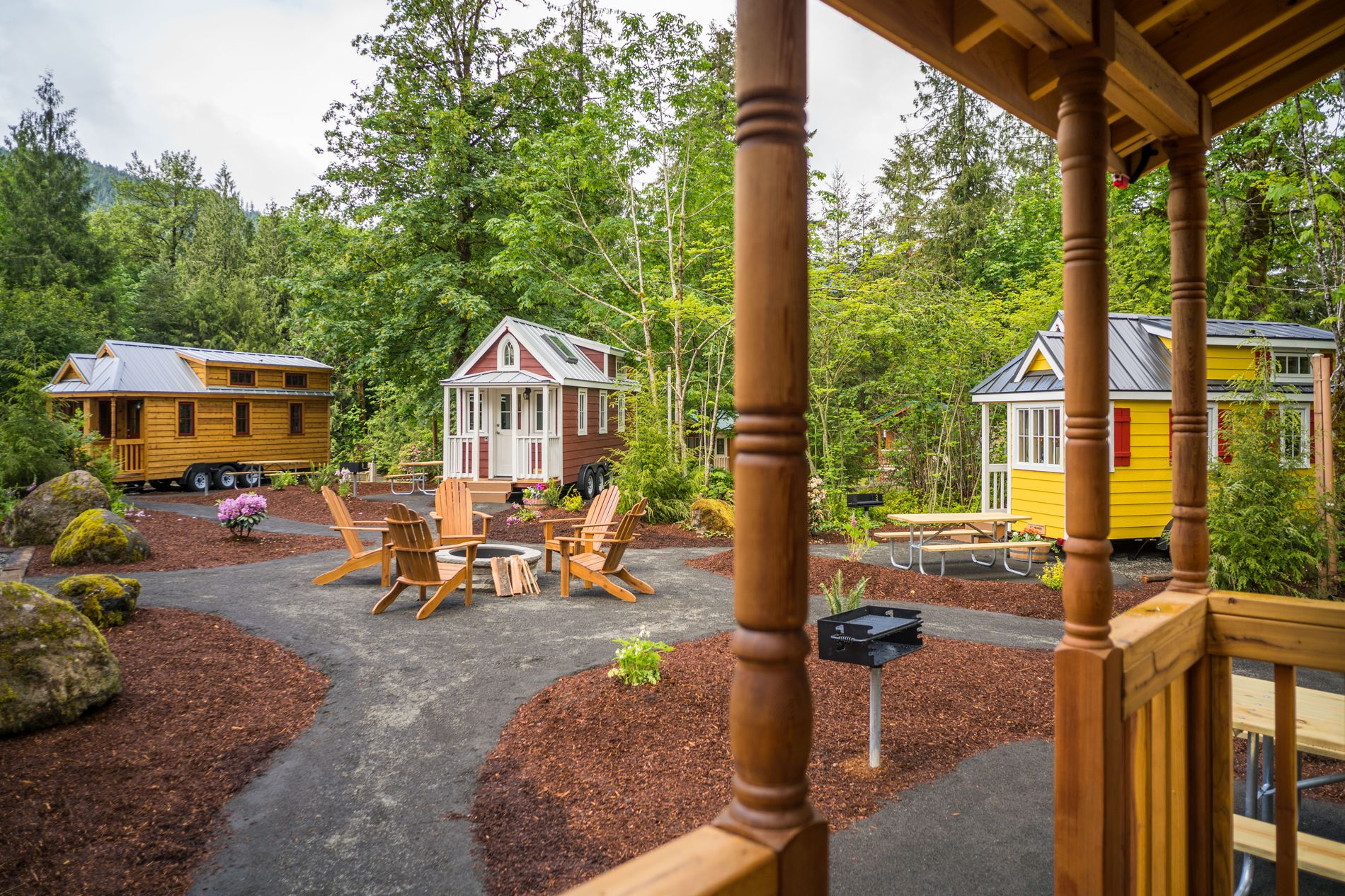 Tiny house villages what the mt hood village in portland for Furniture university village