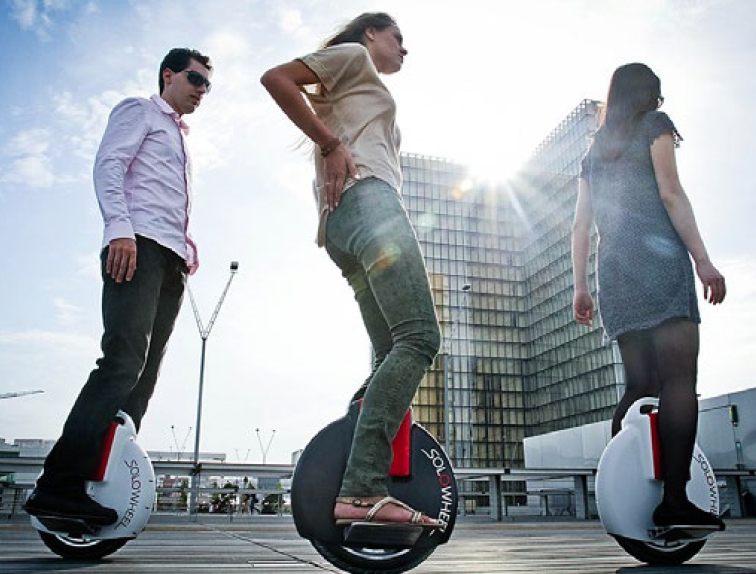 riding solowheel