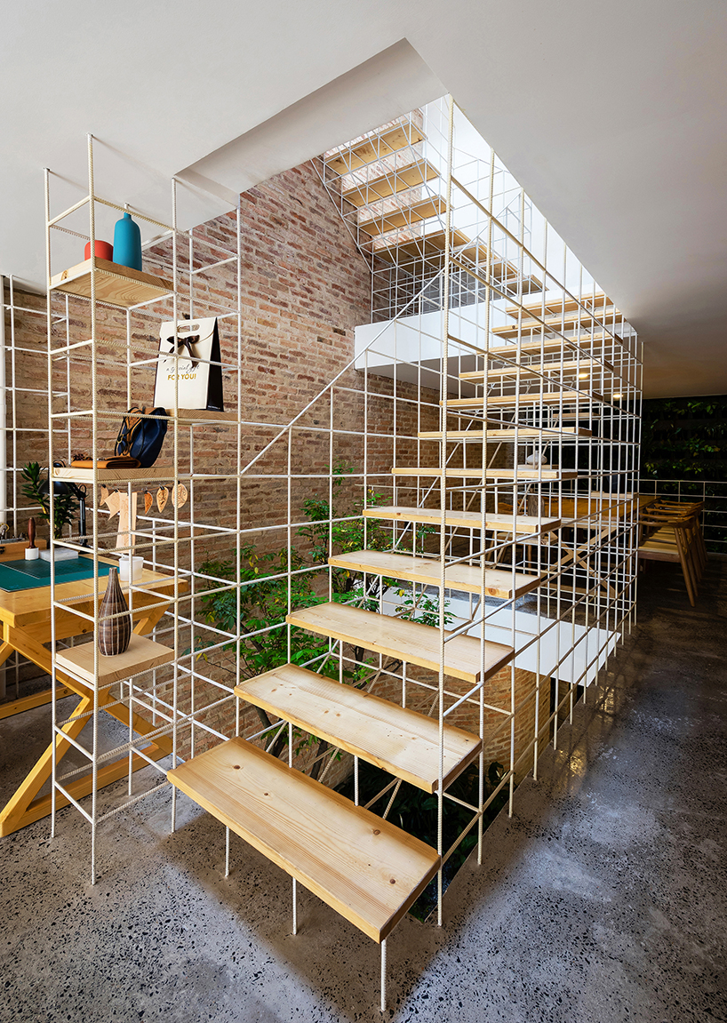 grid house staircase