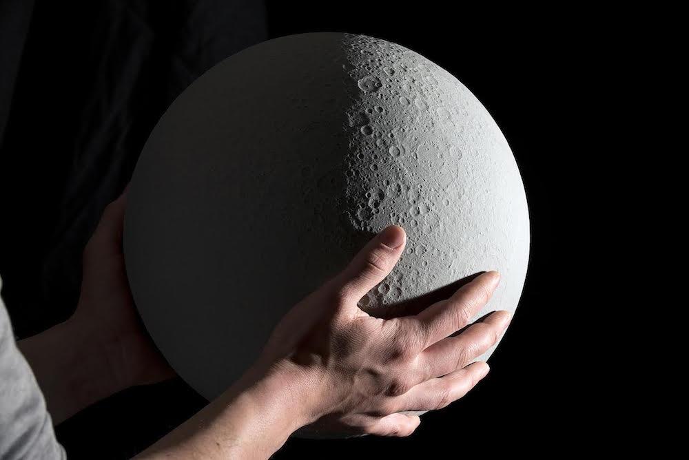 moon model typography