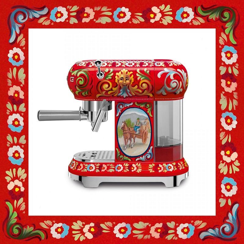 Coffee Machine - SMEG/Dolce & Gabanna
