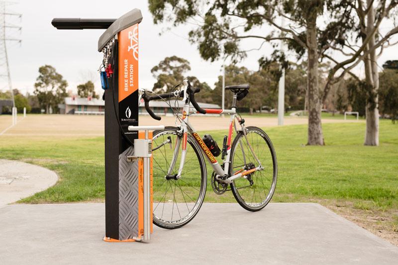 Public Work Stand - Bike Fixation