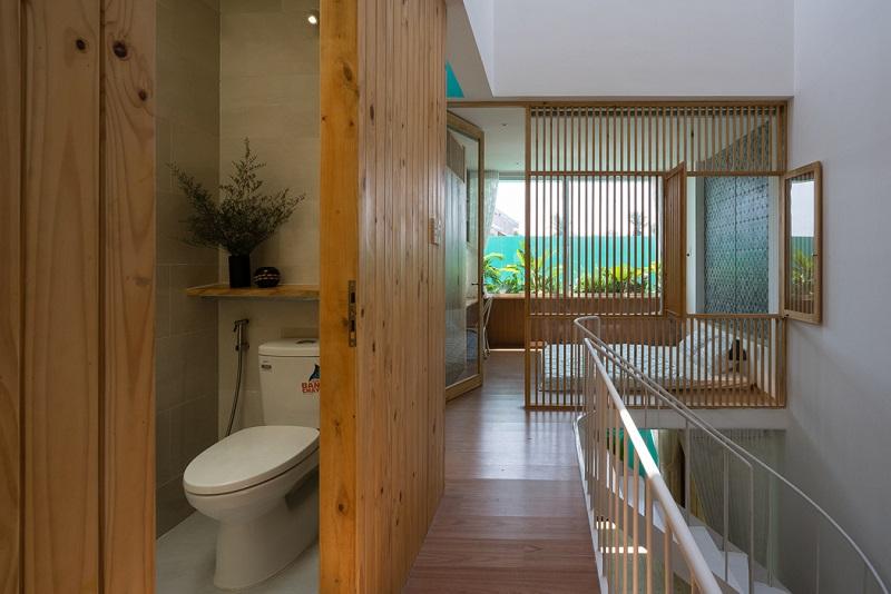LESS House - Hidden Bathroom