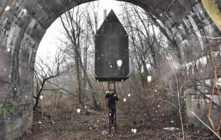 Black Flying House - H3T Architekti