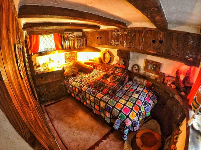 Hobbit House - Interior