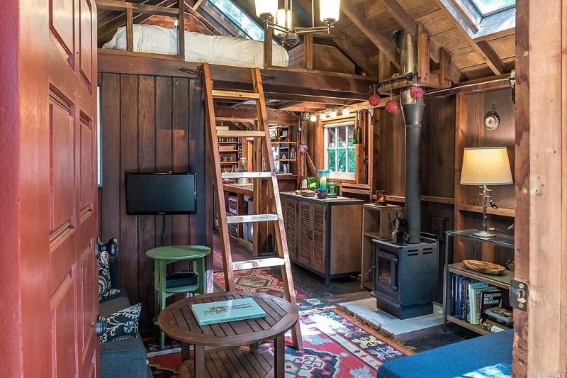 Sonoma Cabin - Interior/Loft