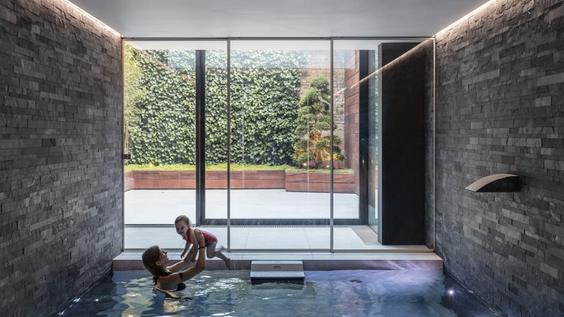 Victorian Remix London Home Extended With A Glass Box And