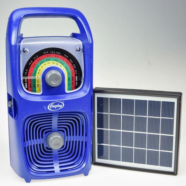 SchoolBox - Wind-Up Radio