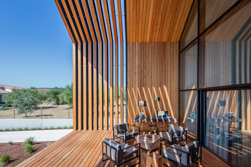 Filipe saraiva arquitectos designs new pentagon shaped for Pentagon shaped house plans
