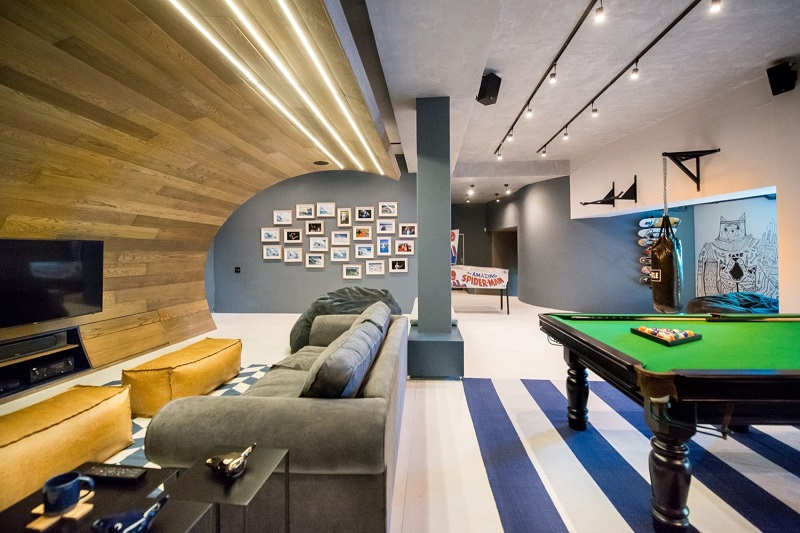 A Teen Boy's Dream: Masculine Modern House With Its Own Skate Bowl