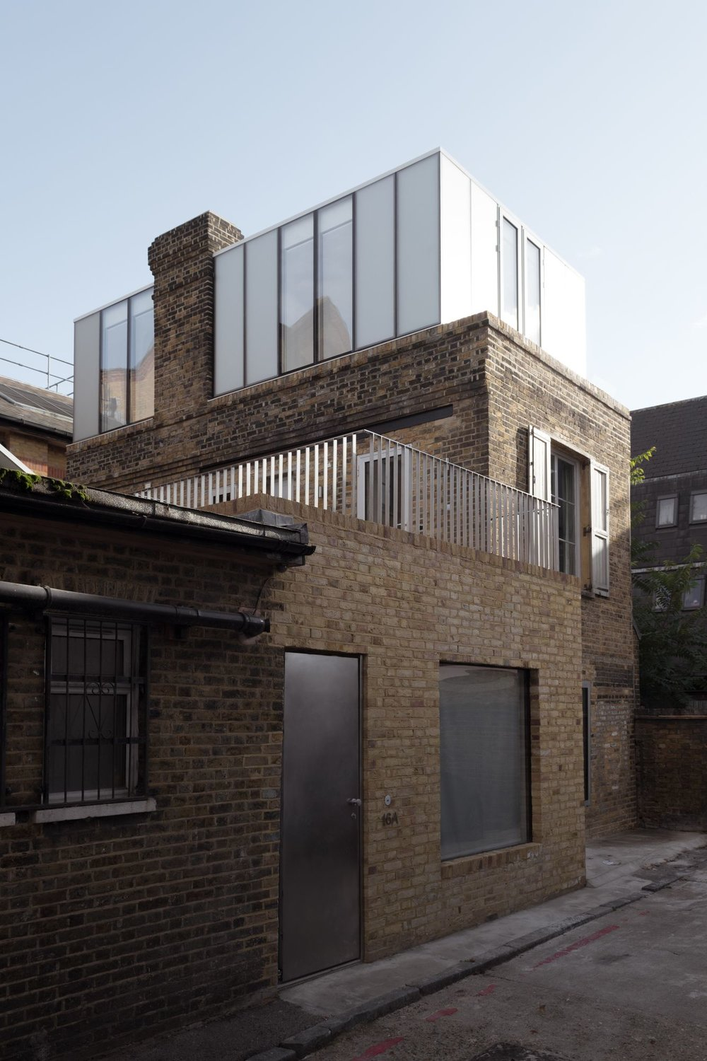 Rooftop Light Box Transforms Victorian Bakery into Home